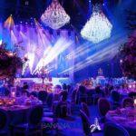 Kronleuchter als Dekoration von ein Hochzeit Mieten